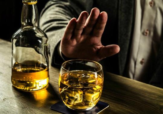 Kích động, lôi kéo người khác uống rượu, bia sẽ bị phạt đến 1 triệu đồng - Ảnh 1.