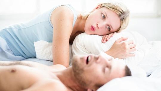 Bị bạn đời phàn nàn điều này trên giường, coi chừng nguy - Ảnh 1.