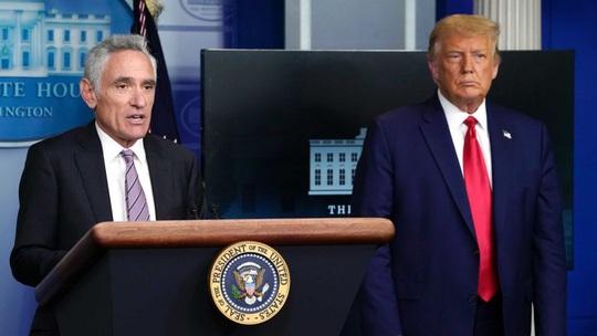 Covid-19: Tổng thống Trump bị cấp dưới hại? - Ảnh 1.