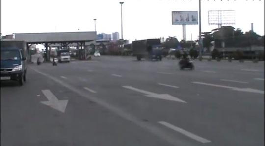 Cấm xe máy qua cầu vượt ngã tư Vũng Tàu - Ảnh 3.