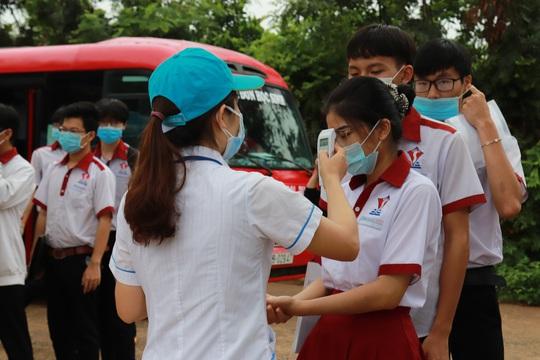 Thứ trưởng Bộ GD-ĐT Nguyễn Hữu Độ: Phải đảm bảo công bằng giữa 2 đợt thi - Ảnh 3.