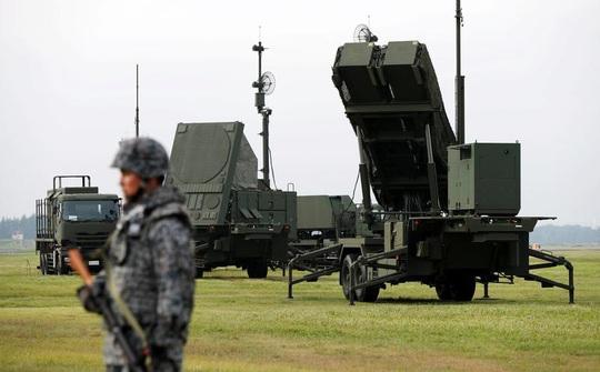 Để mắt Trung Quốc, Nhật Bản đề xuất ngân sách quốc phòng khủng - Ảnh 1.