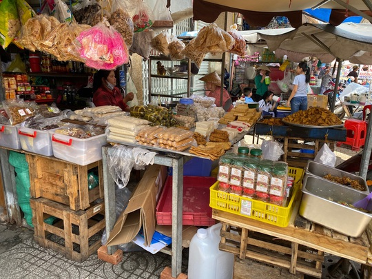 Thực phẩm chay giả mặn không nhãn mác bán đầy chợ - Ảnh 5.