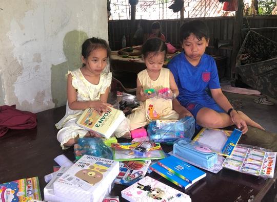 Thương quá hình ảnh 3 đứa trẻ mất cả cha lẫn mẹ đang chuẩn bị cho ngày khai giảng - Ảnh 9.
