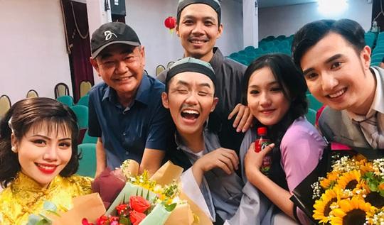 NSND Việt Anh: Lôi vũ khơi gợi cảm hứng sáng tạo - Ảnh 1.