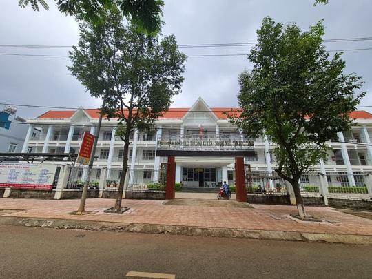 Cán bộ Thanh tra tỉnh Đắk Nông đột tử khi đang làm bài thi - Ảnh 1.