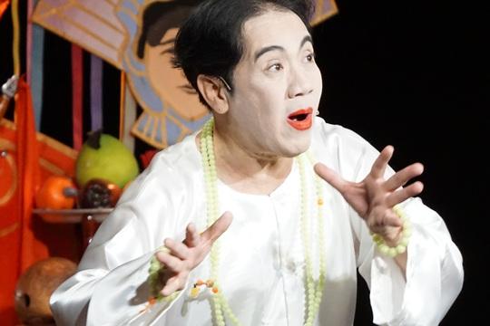 NSƯT Thành Lộc công bố kịch Cậu đồng của Thiền sư Thích Nhất Hạnh - Ảnh 2.