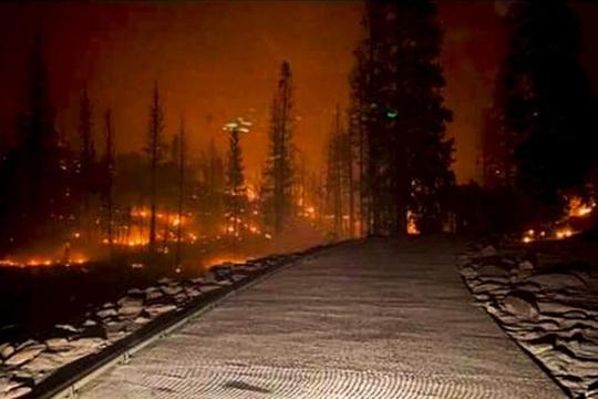 Thời tiết Mỹ thất thường chưa từng thấy, California phải cúp điện luân phiên - Ảnh 1.
