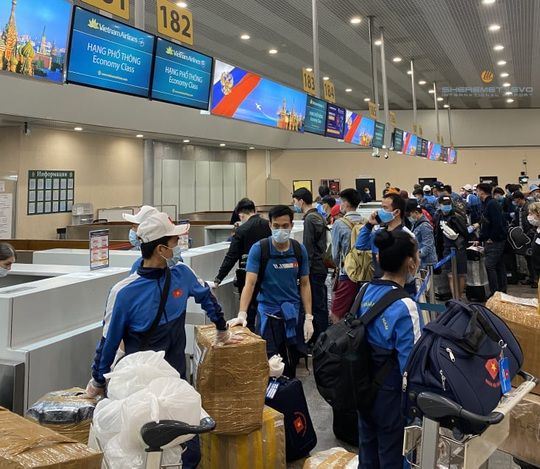 Hình ảnh đoàn thể thao Việt Nam dự Army Games tại Nga về nước - Ảnh 6.