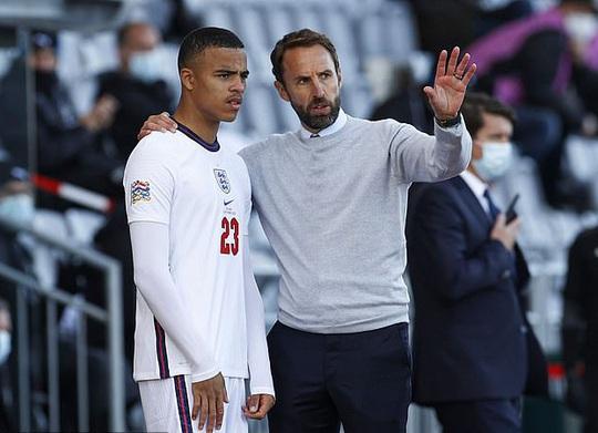 Dính scandal gái gọi Iceland, hai sao trẻ bị đuổi khỏi tuyển Anh - Ảnh 11.