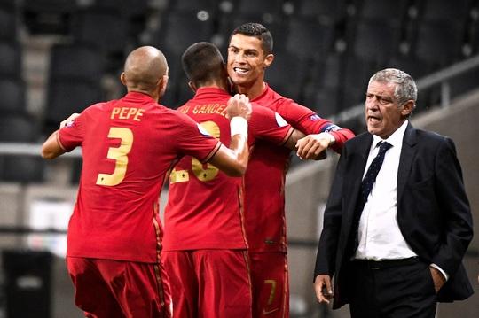 Ronaldo lập cú đúp siêu phẩm, Bồ Đào Nha toàn thắng Nations League - Ảnh 6.