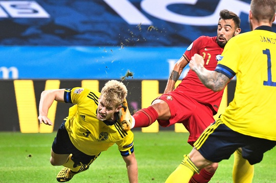 Ronaldo lập cú đúp siêu phẩm, Bồ Đào Nha toàn thắng Nations League - Ảnh 3.