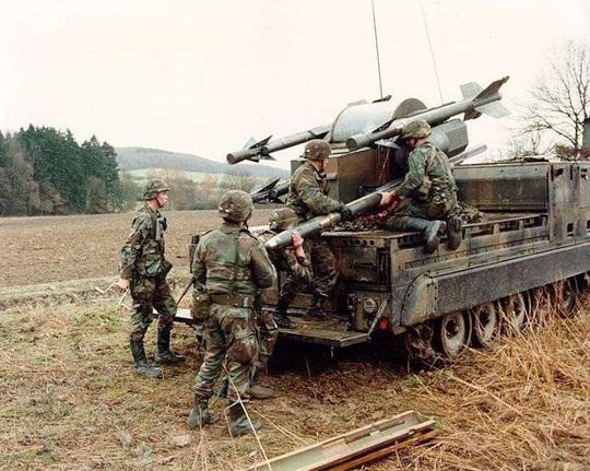 Quân đội Mỹ trước mối đe dọa từ bầu trời - Ảnh 1.