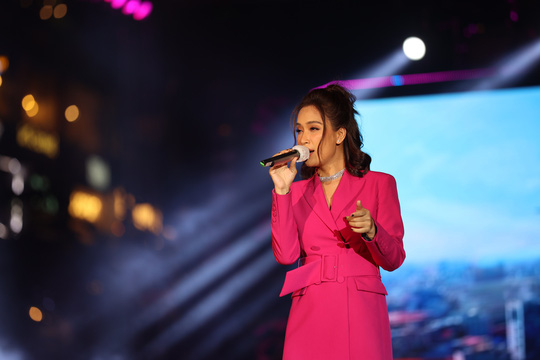 Bữa tiệc âm nhạc tuyệt vời mừng năm mới, mừng thành phố Thủ Đức của người Sài Gòn - Ảnh 12.