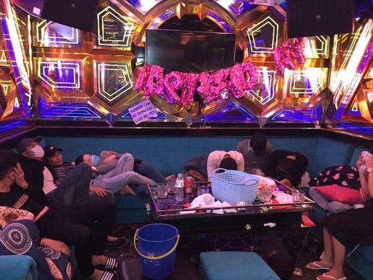 47 nam nữ phê ma túy trong quán karaoke ở Quảng Nam - Ảnh 1.
