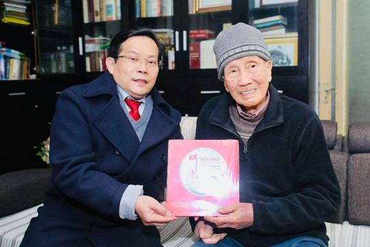 Mai Vàng nhân ái thăm nhạc sĩ Phạm Tuyên trước sinh nhật tuổi 91 - Ảnh 5.