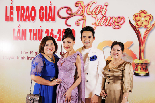 Hoài Linh, Jack, Phương Anh, Ngô Kiến Huy khuấy động thảm đỏ Mai Vàng 26-2020 - Ảnh 19.