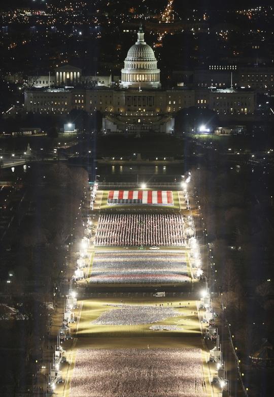Phóng sự ảnh: Thủ đô Washington của Mỹ trước giờ chuyển giao quyền lực - Ảnh 10.