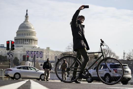 Phóng sự ảnh: Thủ đô Washington của Mỹ trước giờ chuyển giao quyền lực - Ảnh 21.