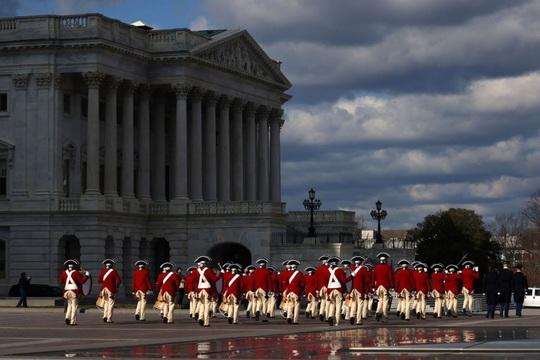Phóng sự ảnh: Thủ đô Washington của Mỹ trước giờ chuyển giao quyền lực - Ảnh 11.