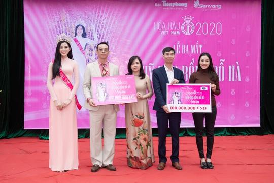 Dàn người đẹp khoe sắc đầu năm 2021 - Ảnh 8.