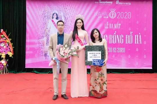 Dàn người đẹp khoe sắc đầu năm 2021 - Ảnh 7.
