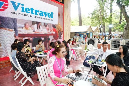 """Ưu đãi """"thả ga"""" tại gian hàng Vietravel trong Lễ hội Tết Việt 2021 - Ảnh 1."""