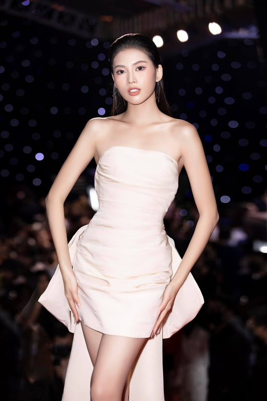 Cận cảnh nhan sắc Á hậu Ngọc Thảo - đại diện Việt Nam thi Miss Grand International - Ảnh 7.