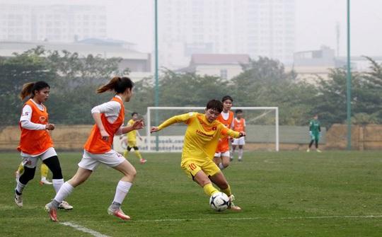 Đội tuyển nữ Việt Nam tăng tốc trước nghỉ Tết - Ảnh 1.