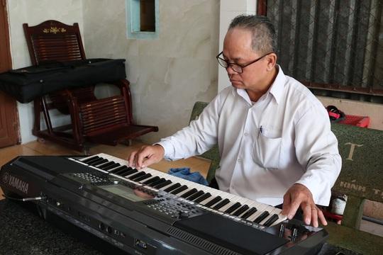 Mai Vàng nhân ái thăm nghệ nhân Ngô Minh Phú và NS Phương Anh - Ảnh 3.