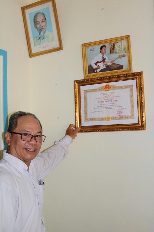 Mai Vàng nhân ái thăm nghệ nhân Ngô Minh Phú và NS Phương Anh - Ảnh 4.