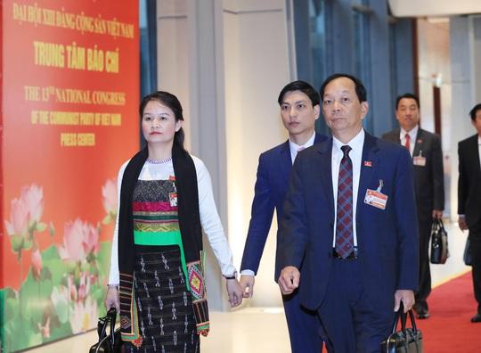 Các nữ đại biểu tham dự Đại hội XIII của Đảng - Ảnh 1.