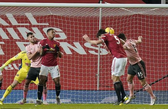 Thua sốc đội chót bảng, Man United mất trắng ngôi đầu Ngoại hạng - Ảnh 5.