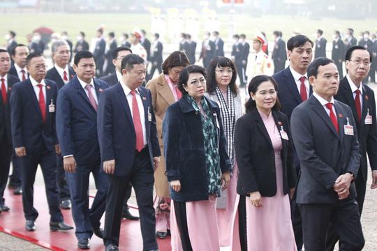 Các nữ đại biểu tham dự Đại hội XIII của Đảng - Ảnh 5.