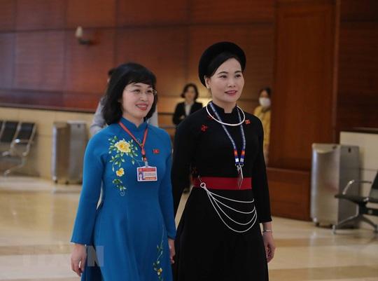 Các nữ đại biểu tham dự Đại hội XIII của Đảng - Ảnh 8.
