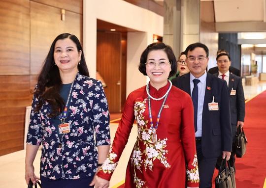 Các nữ đại biểu tham dự Đại hội XIII của Đảng - Ảnh 14.