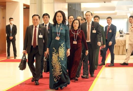 Các nữ đại biểu tham dự Đại hội XIII của Đảng - Ảnh 17.
