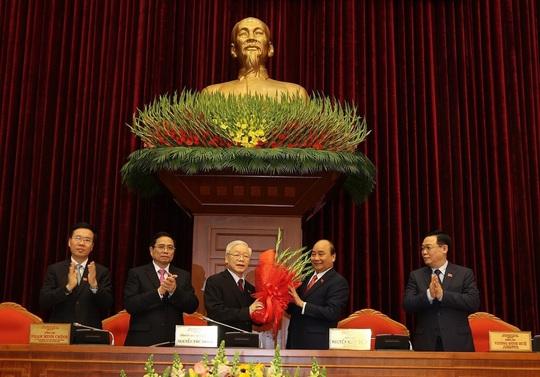 Đồng chí Nguyễn Phú Trọng tái đắc cử Tổng Bí thư - Ảnh 1.