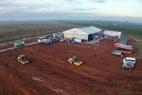 Thủ tướng vừa bấm nút khởi công xây dựng sân bay quốc tế Long Thành - Ảnh 2.