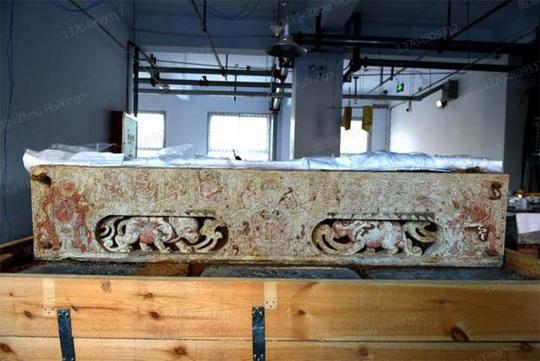 Bí ẩn mộ cổ cặp đôi 1.400 tuổi nằm giữa kho báu xa hoa - Ảnh 2.