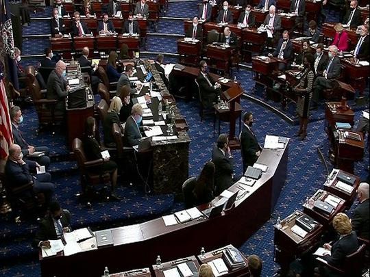 Phiên luận tội: Đảng Dân chủ bàn kế chặn đường trở lại của ông Trump - Ảnh 1.
