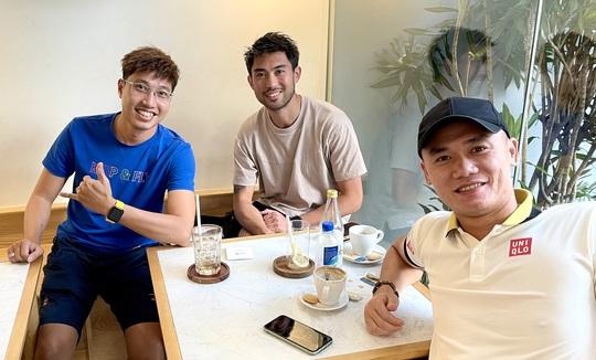 Clip: Lee Nguyễn trải lòng về việc khoác áo tuyển Việt Nam, sự nghiệp ở Mỹ và cách đón Tết tại TP HCM - Ảnh 2.