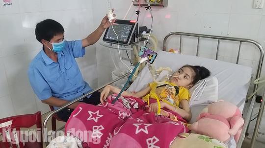 Chuyện cảm động về người cha 8 năm đón Tết cùng con ở bệnh viện - Ảnh 7.