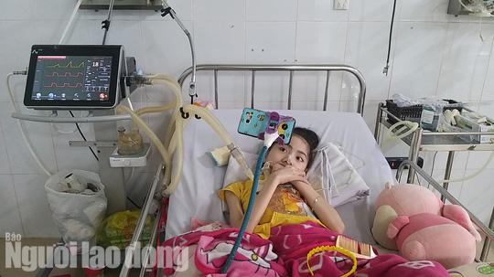 Chuyện cảm động về người cha 8 năm đón Tết cùng con ở bệnh viện - Ảnh 5.