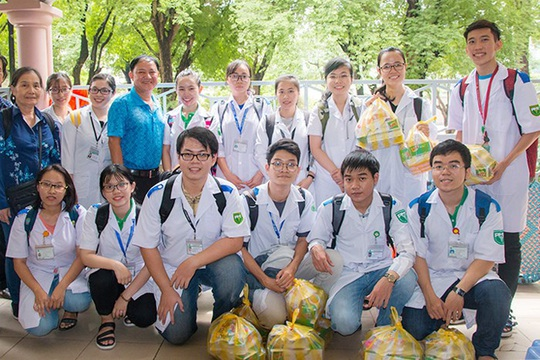 TP HCM: Trường ĐH đầu tiên cho sinh nghỉ học tập trung hết tháng 3 - Ảnh 1.