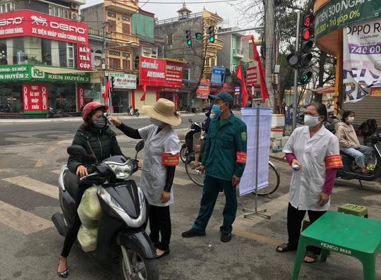 Phát hiện 2 phụ nữ bán cá ở chợ dương tính với SARS-Cov-2 - Ảnh 2.