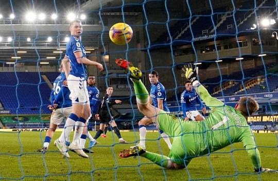 Hai siêu phẩm hạ Everton 3-1, Man City xây chắc ngôi đầu - Ảnh 2.