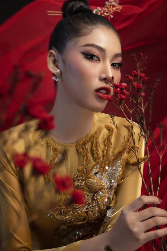 Hé lộ trang phục lạ á hậu Ngọc Thảo đem tranh tài ở Miss Grand Internation 2020 - Ảnh 10.