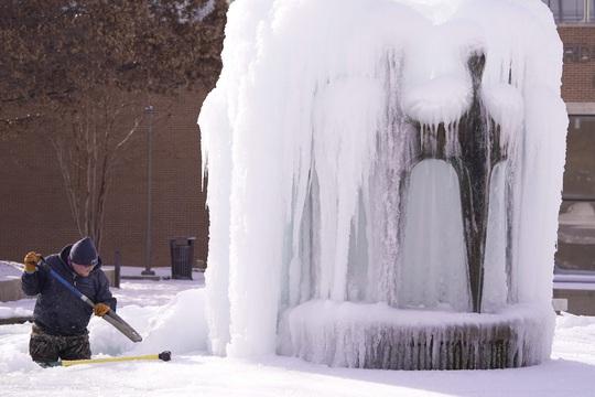 Lạnh không tưởng ở Texas: Những hình ảnh không thể quên! - Ảnh 9.