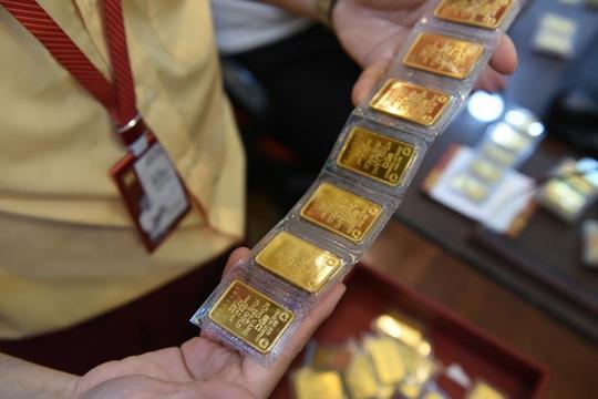 Trước ngày Thần Tài, một người bán 130 cây vàng thu về hơn 7,2 tỉ đồng - Ảnh 3.